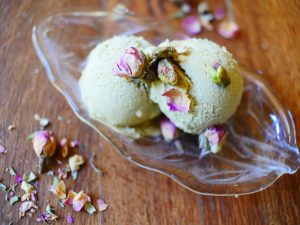 rose and pistachio ice cream - raw vegan recipe
